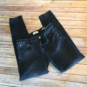 Closed Baker Skinny Jean; size 27/4